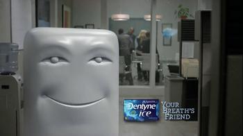 Dentyne Ice TV Spot, 'Something in Your Teeth' - Thumbnail 9