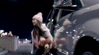 Chrysler Big Finish Event TV Spot, 'Giving Back' - Thumbnail 6
