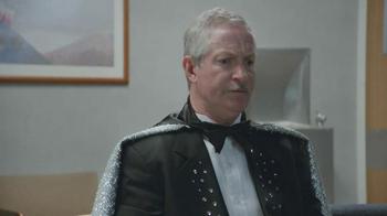 Geico TV Spot, 'Waiting Room Magician' - Thumbnail 2