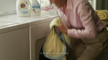 Tide Free & Gentle TV Spot, 'Blanket' - Thumbnail 7