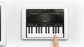 iPad Mini TV Spot, 'Piano' - Thumbnail 4