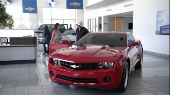 Chevrolet TV Spot, 'Serenade' Featuring Brad Paisley - Thumbnail 4