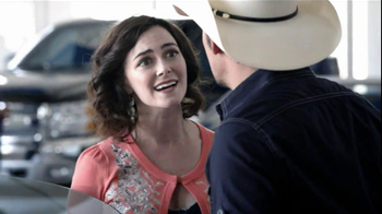 Chevrolet TV Spot, 'Serenade' Featuring Brad Paisley - Thumbnail 7
