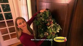 Command Hanging Hooks TV Spot, 'Christmas Decorations' - Thumbnail 3