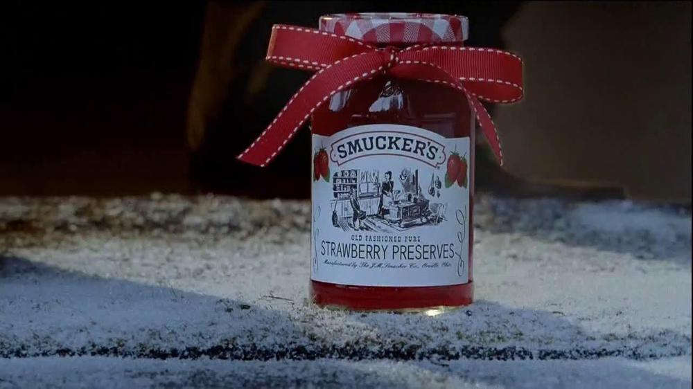 Smucker's Strawberry Preserves TV Commercial, 'Christmas Present'