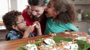 Pillsbury Sugar Cookies TV Spot, 'Holiday Fun' - Thumbnail 8