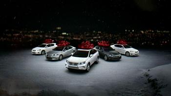Lexus December to Remember TV Spot, 'Pinterest Like' - Thumbnail 7