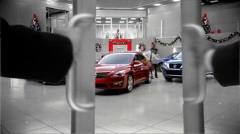 Nissan Season to Save TV Spot, 'Holiday Bonus Cash' - Thumbnail 1