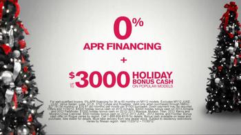 Nissan Season to Save TV Spot, 'Holiday Bonus Cash' - Thumbnail 5