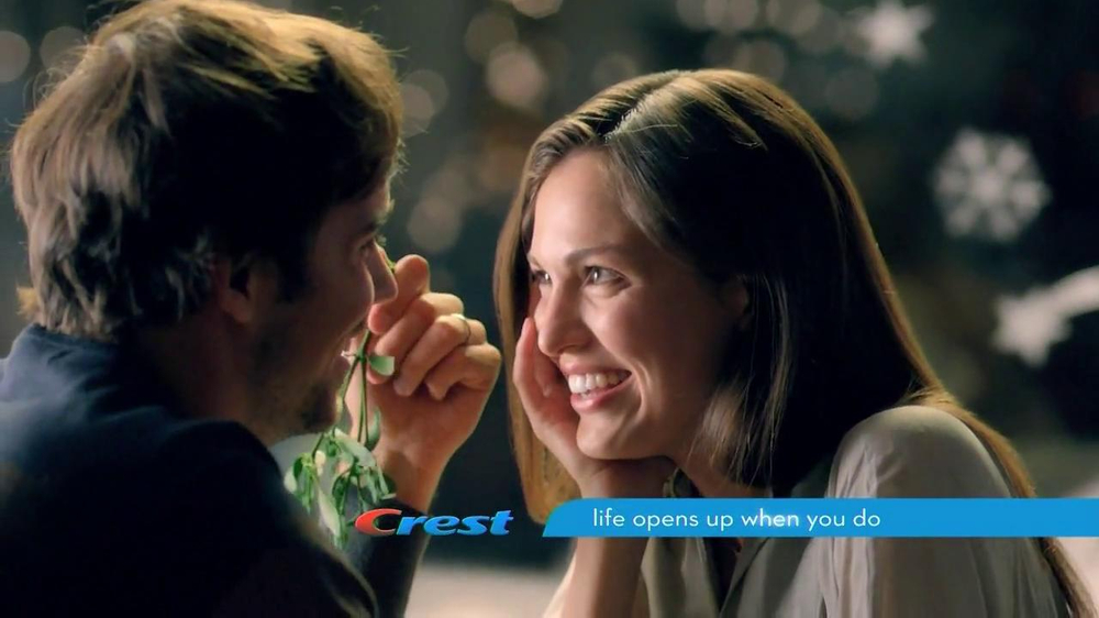Crest 3D White Whitestrips TV Commercial, 'Holiday Season'