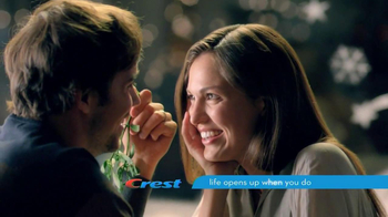 Crest 3D White Whitestrips TV Spot, 'Holiday Season' - Thumbnail 10
