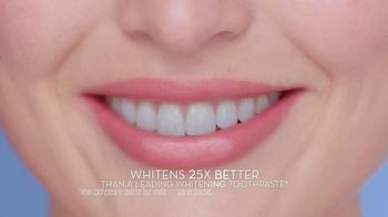 Crest 3D White Whitestrips TV Spot, 'Holiday Season' - Thumbnail 9