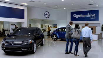 Volkswagen Sign Then Drive TV Spot, 'Test Drive: Dinner' - Thumbnail 8