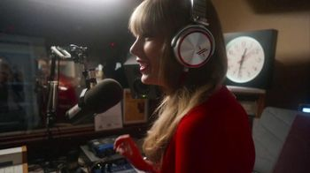 Sony NEX-5R Camera TV Spot Featuring Taylor Swift - Thumbnail 6