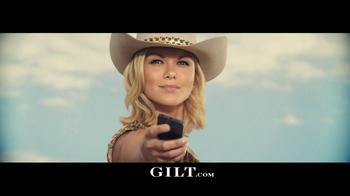 Gilt TV Spot, 'Outfit Showdown' - Thumbnail 10