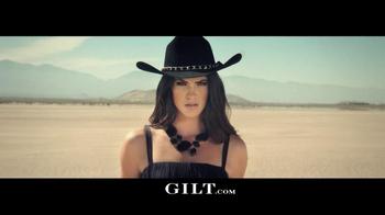 Gilt TV Spot, 'Outfit Showdown' - Thumbnail 6