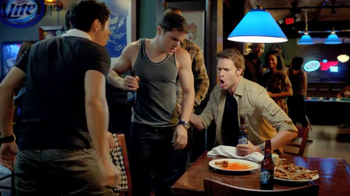 Miller Lite TV Spot, 'Wing-Eating Contest' - Thumbnail 6