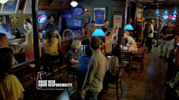 Miller Lite TV Spot, 'Wing-Eating Contest' - Thumbnail 9