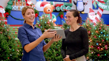 My Lowes TV Spot, 'Garland' Featuring Grace Anne Helbig - Thumbnail 9
