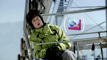 DayQuil Cold and Flu TV Spot, 'Ski Lift' - Thumbnail 6