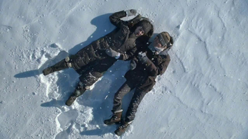 Zales TV Spot, 'Snow Angels' Song by Various Cruelties - Thumbnail 6