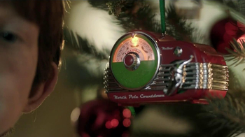 Hallmark TV Spot, 'Christmas Radio Ornament' - Thumbnail 3