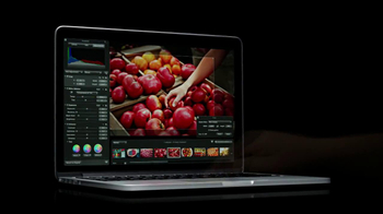 Apple 13-Inch MacBook Pro TV Spot, 'Colors' Featuring Peter Coyote - Thumbnail 7