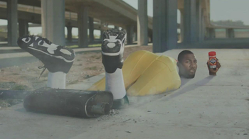 Old Spice Champion TV Spot, 'Cement' Featuring Greg Jennings - Thumbnail 6
