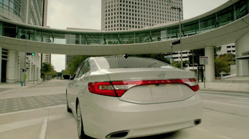 2012 Hyundai Azera TV Spot, 'Garages'  Song Major Lance - Thumbnail 2