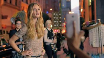 Galaxy Note II TV Spot, 'Birthday Photo' Feat. Rosie Huntington-Whiteley - Thumbnail 9