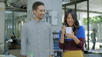 Galaxy Note II TV Spot, 'Birthday Photo' Feat. Rosie Huntington-Whiteley - Thumbnail 2