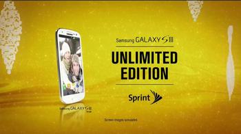 Galaxy SIII TV Spot, 'Unwrap Huge Savings' - Thumbnail 4