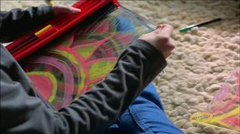 Crayola Glow Book TV Spot, 'Animate and Glow' - Thumbnail 6