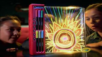 Crayola Glow Book TV Spot, 'Animate and Glow' - Thumbnail 7