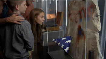 Discovery Times Square TV Spot, 'Spy The Exhibit'  - Thumbnail 4