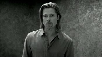 Chanel No.5 TV Spot, 'Inevitable' Featuring Brad Pitt - Thumbnail 6
