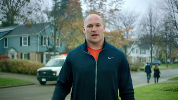 XFINITY TV Spot, 'Professional Defender' Featuring Brian Urlacher - Thumbnail 5