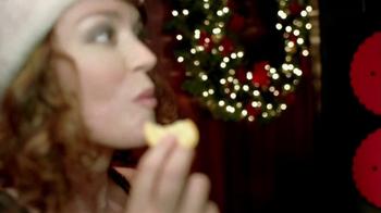 Ritz Crackers TV Spot 'Holiday Party' - Thumbnail 4