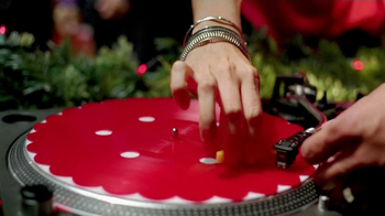 Ritz Crackers TV Spot 'Holiday Party' - Thumbnail 6
