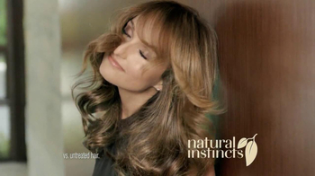 Clairol TV Spot, 'Color Switch' Featuring Giada De Laurentiis - Thumbnail 7