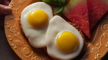 Eggland's Best TV Spot, 'More Vitamins Less Saturated Fat' - Thumbnail 4