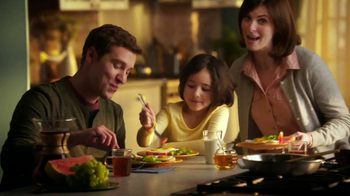 Eggland's Best TV Spot, 'More Vitamins Less Saturated Fat' - Thumbnail 5