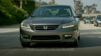 2013 Honda Accord TV Spot, 'Oblivious You' Featuring Amy Pham - Thumbnail 7