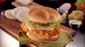 Wendy's Mozzarella Chicken Supreme TV Spot, 'Holiday Play' - Thumbnail 7
