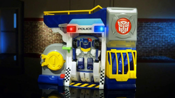 Transformers Rescue Bots Police Headquarters TV Spot, 'On the Scene' - Thumbnail 5