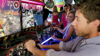 Dave and Buster's TV Spot, 'Holiday Party' - Thumbnail 8