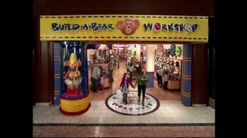 Build-A-Bear Workshop TV Spot, 'Holiday Friends' - Thumbnail 9