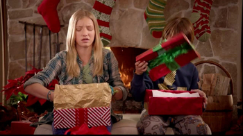 Famous Footwear TV Spot, 'Christmas' - Thumbnail 4