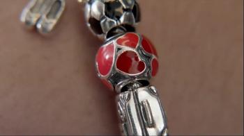 Jared TV Spot 'Airport: Pandora Charm Bracelets' - Thumbnail 4