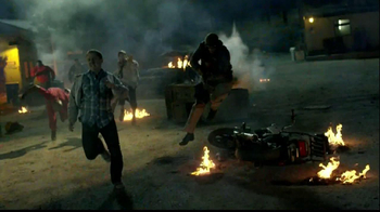 Walmart TV Spot, 'Midnight Call of Duty Black Ops II' - Thumbnail 4